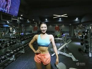 Wanita Muda Ini Raih Gelar Pemilik Tubuh Berbikini Terbaik Se-Asia