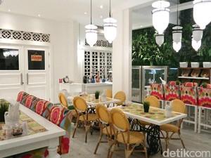 Santap Makan Siang di Warung Peranakan, Resto Mungil Cantik di Kemang