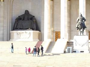 Syiar Fatima dan Toleransi di Negeri Genghis Khan