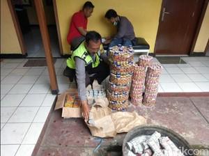 Polres Sukabumi Sita Ribuan Petasan