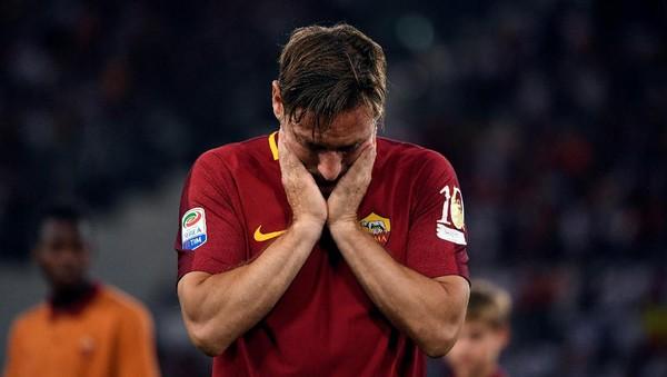 Totti Dipaksa Pensiun, Ini Tragedi