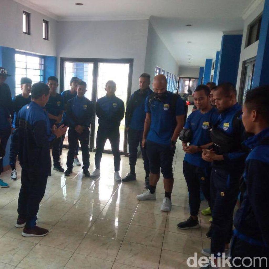 Cole Tak Masuk Skuat Persib untuk Hadapi Bali United