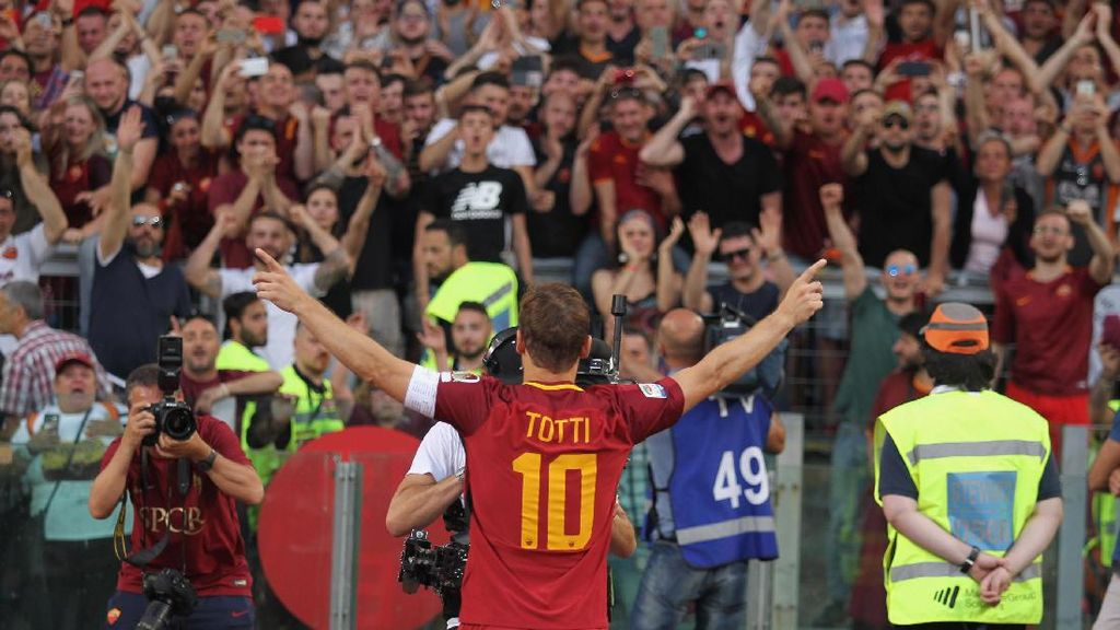 Totti: Aku Cinta Kamu, Roma!