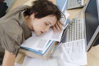 Sering Ngantuk di Kantor, Bun? Waspada Kena Hipersomnia