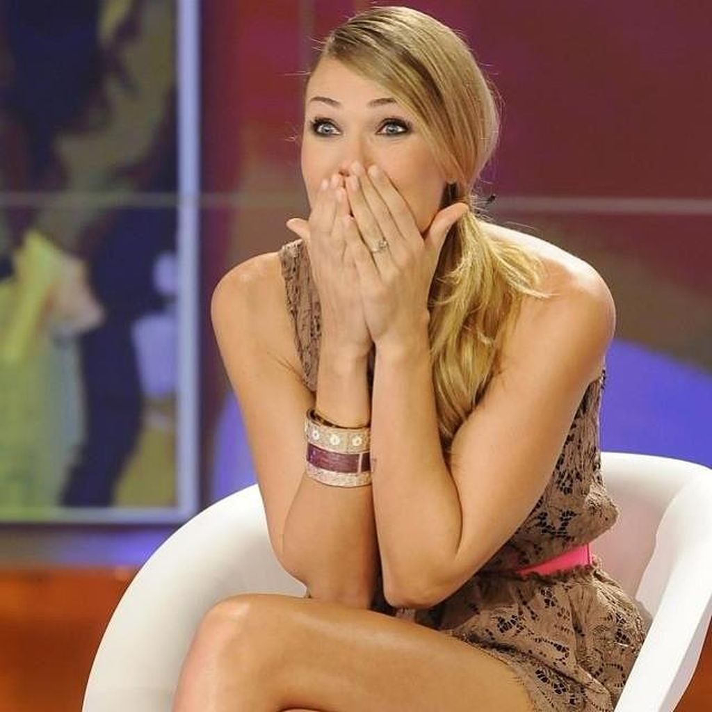 Si Cantik Ilary Blasi, Istri Setia Francesco Totti
