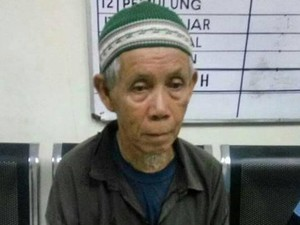3 Jam Mengemis di Cibubur, Kakek Tarmidi Kantongi Ratusan Ribu