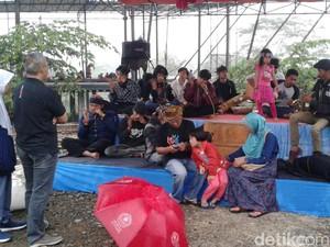 Ngabuburit #CareToBaduy ala Komunitas Budaya dan Seni Sunda Sukabumi