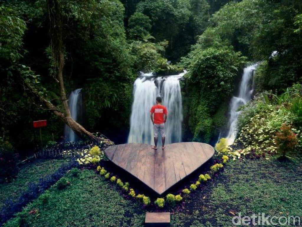 Air Terjun Love di Baturraden