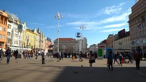 Semangat Berbagi Muslimah Muda Kroasia