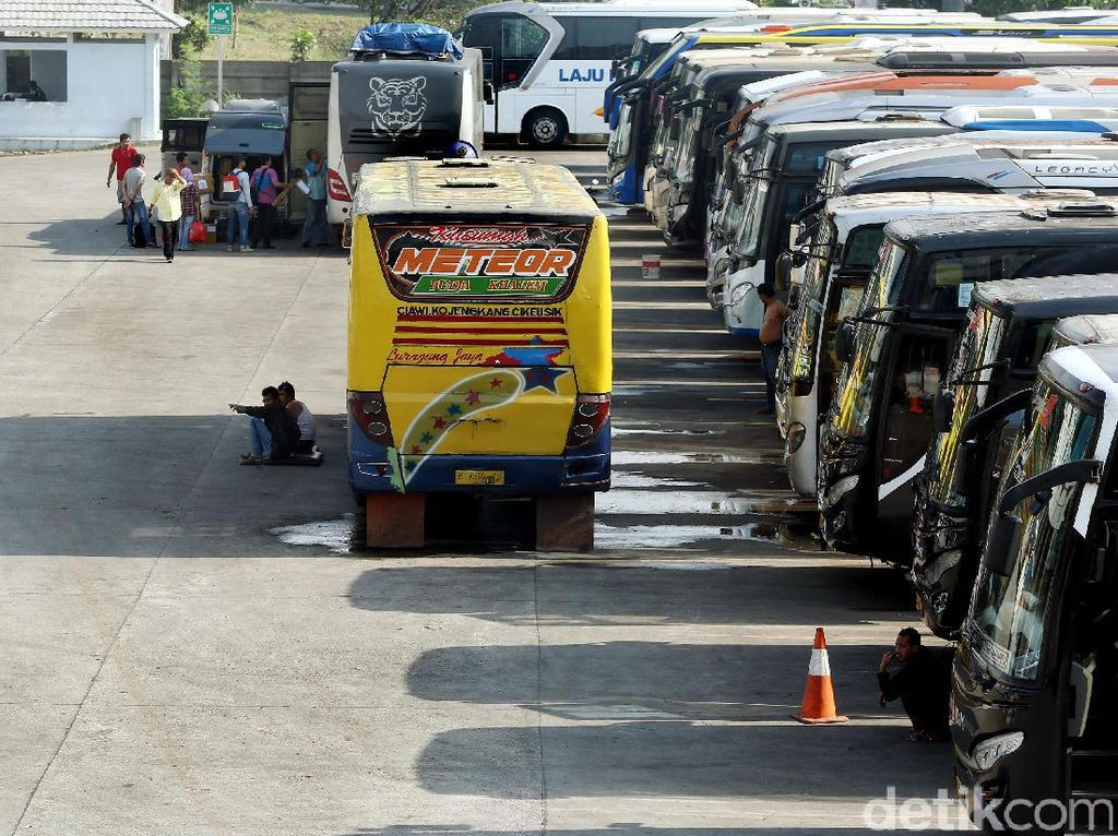 Transportasi ke Luar Daerah Diizinkan, Pengusaha Bus Malah Kecewa