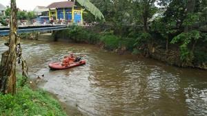 Seorang Pria Tenggelam di Kali Pesanggrahan