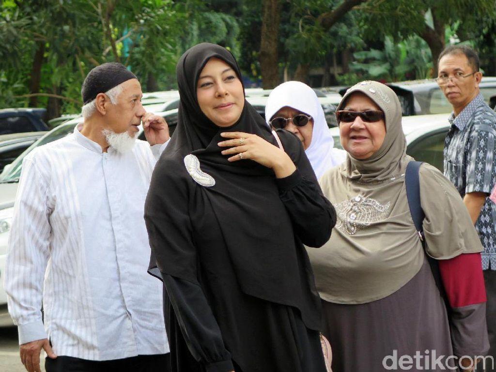 Ustaz Al Habsyi dan Putri Aisyah Resmi Bercerai