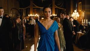Perankan Wonder Woman, Gal Gadot Dibayar Rp 3,9 Miliar