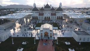 6 Tips Berkunjung ke Tempat Wisata Religi