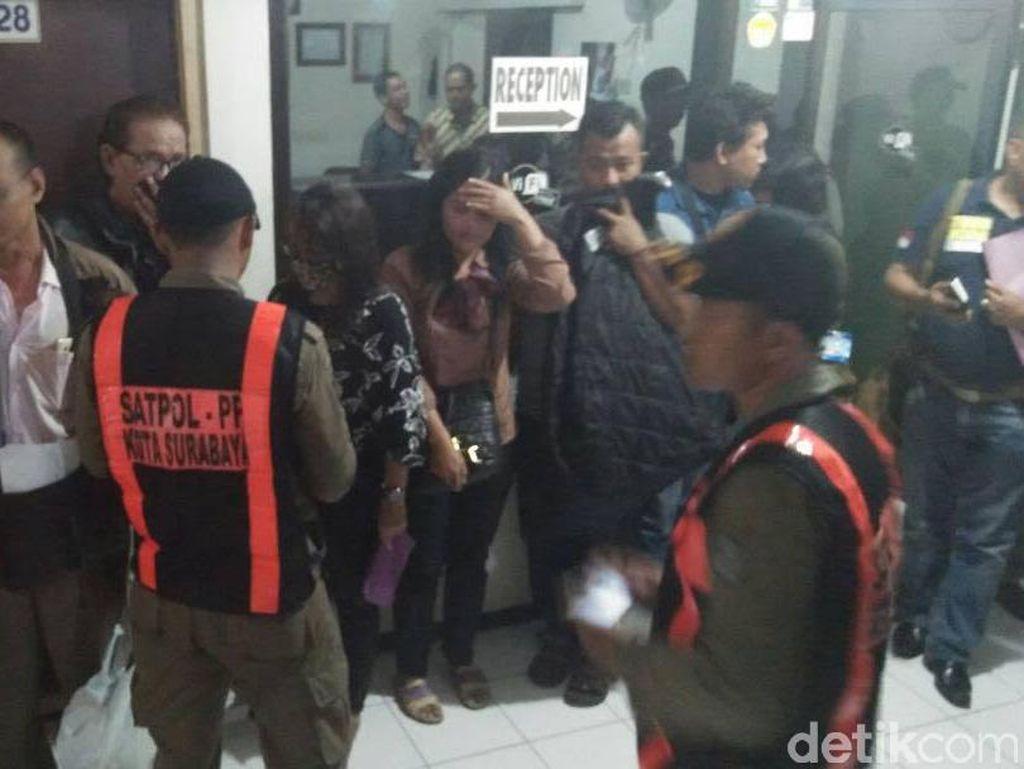Pelaku Trafficking dan Pasangan Mesum Ditemukan Saat Razia Hotel