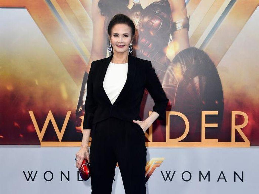 Lynda Carter Bakal Bintangi Wonder Woman 2?