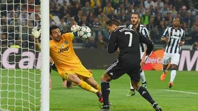 Gianluigi Buffon vs Cristiano Ronaldo