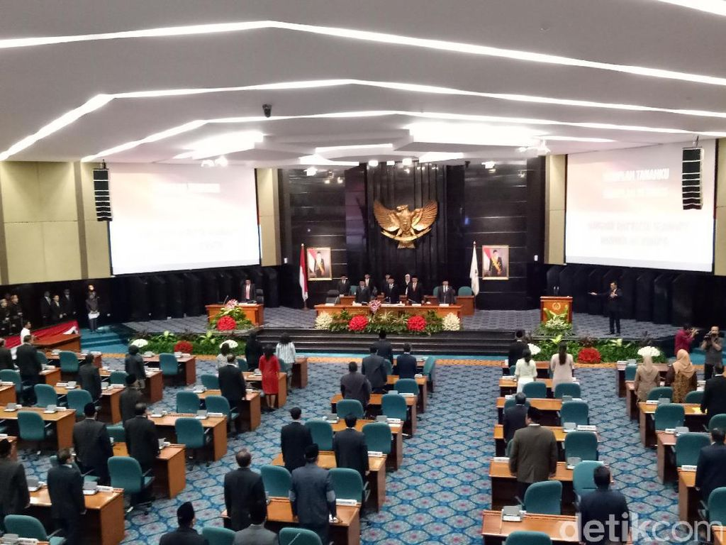 35 Anggota DPRD DKI Absen di Paripurna Pemberhentian Ahok