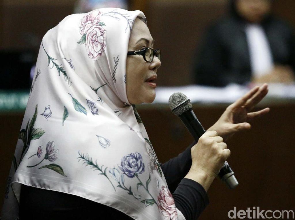 Ratu Atut Jalani Sidang Kasus Alkes Banten