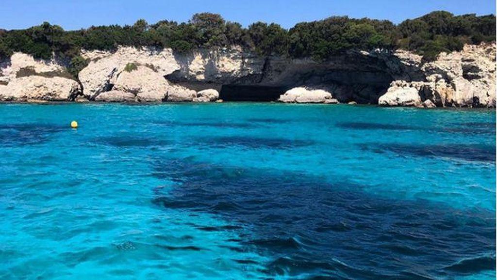 Cristiano Ronaldo Posting Foto Laut Biru yang Cantik, di Mana ya?