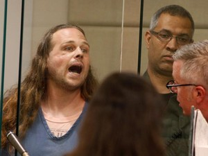 Pembunuh 2 Pria Pembela Gadis Muslim Berteriak-teriak di Pengadilan