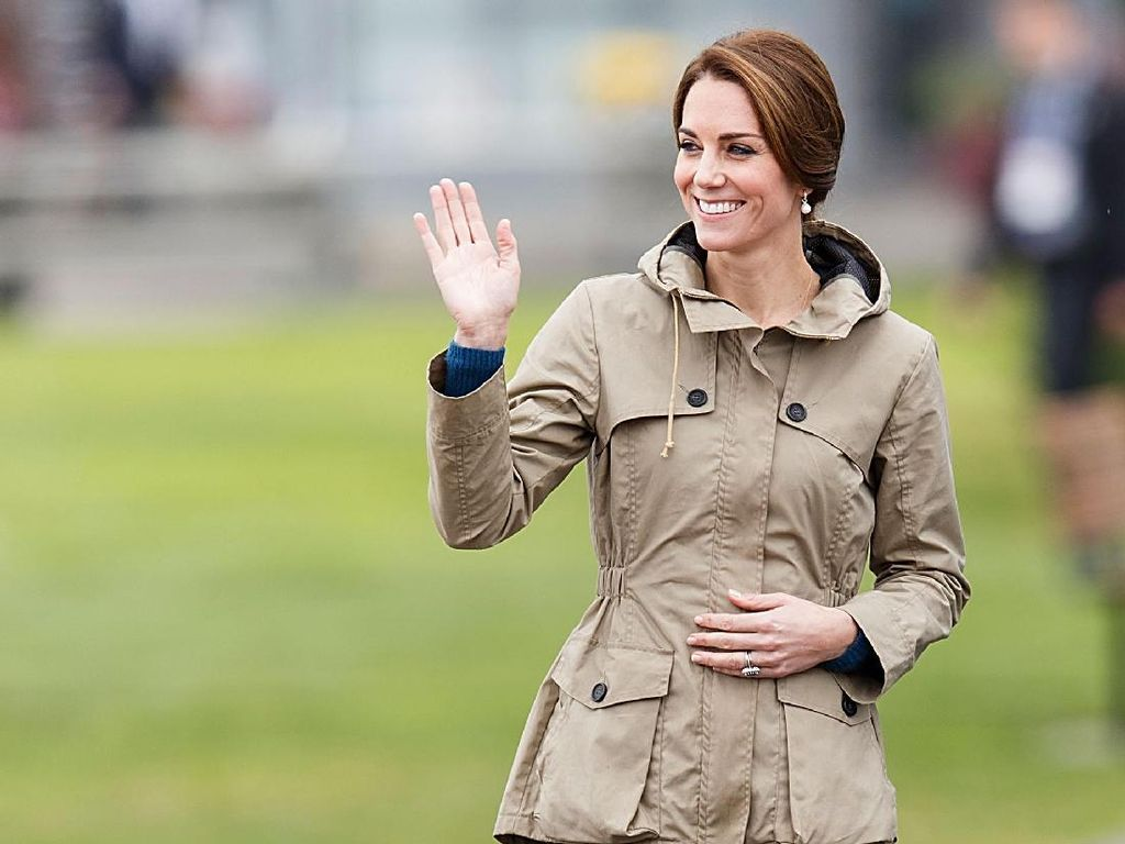 Sneakers Favorit Kate Middleton Seharga Rp 800 Ribuan