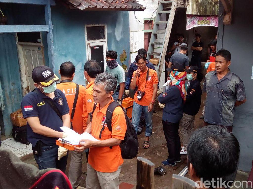 Di Garut, Densus 88 Bawa Adik Kandung Bomber Kampung Melayu