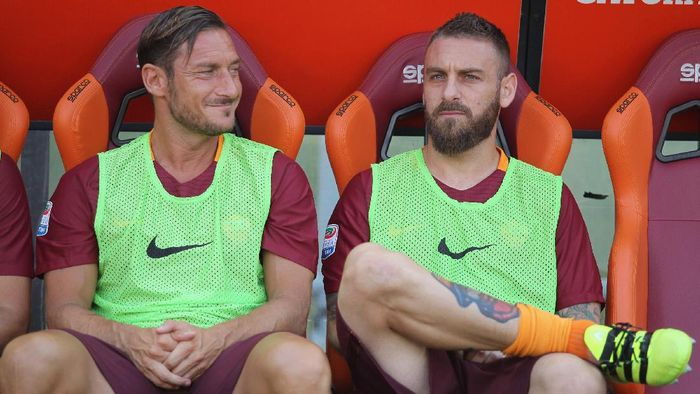Francesco Totti sedih Daniele De Rossi meninggalkan AS Roma (Getty Images/Paolo Bruno)