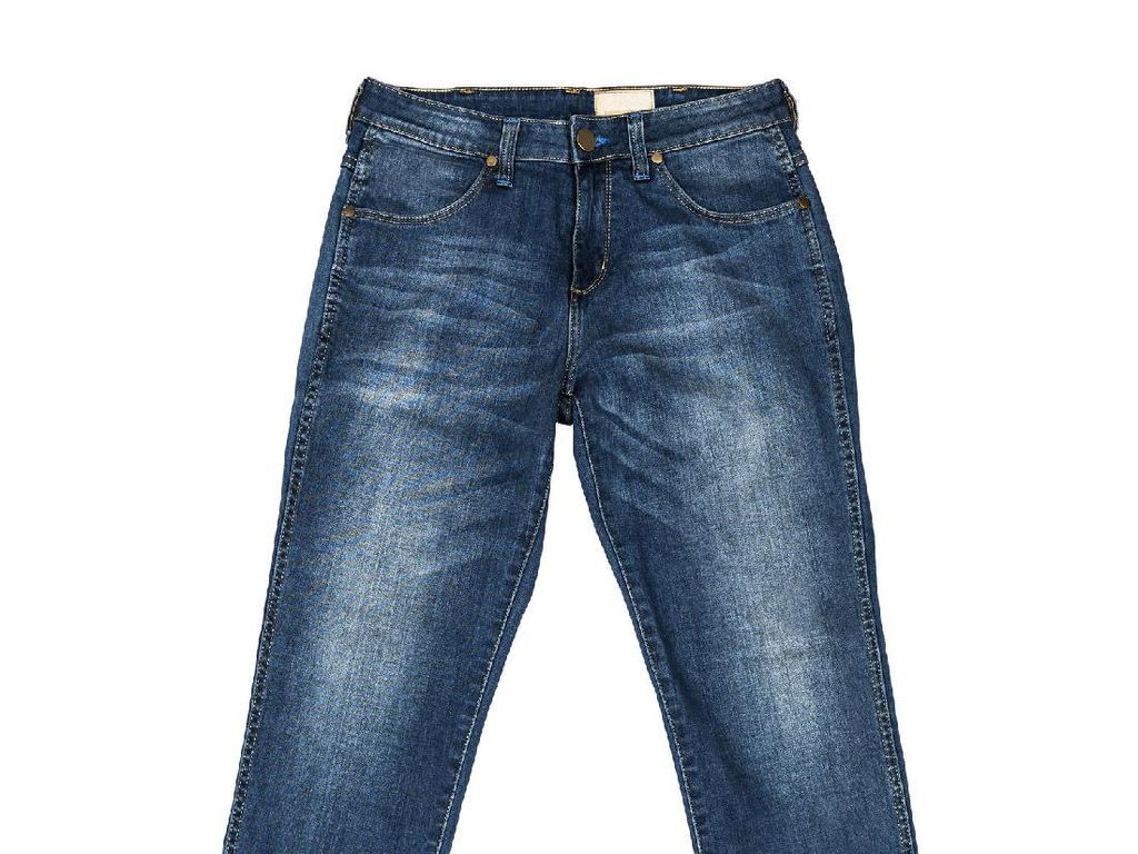 Setelah Celana Dalam, Giliran Jeans Penahan Bau Kentut Dirilis