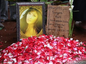 Makam Yana Zein Akan Dipindahkan, Ini Pesan Para Sahabat