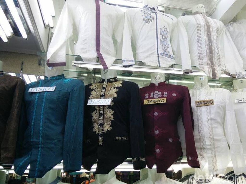 Modal Rp 30 Juta, Pedagang Tanah Abang Pasok Baju Koko dari Tasik
