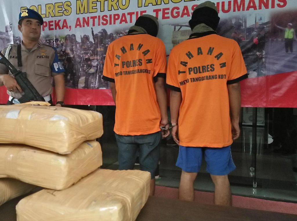 Simpan 6,5 Kg Ganja, 2 Pengedar di Tangerang Ditangkap