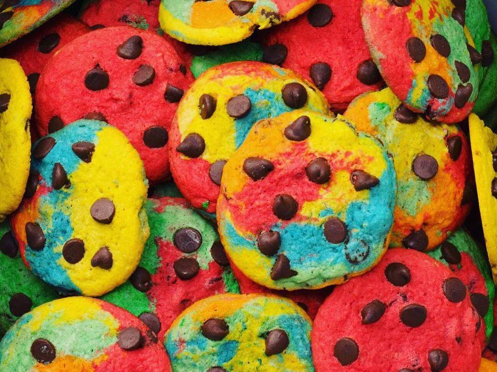 Chocolate Chips Cookies dengan 6 Warna, Mau Coba?