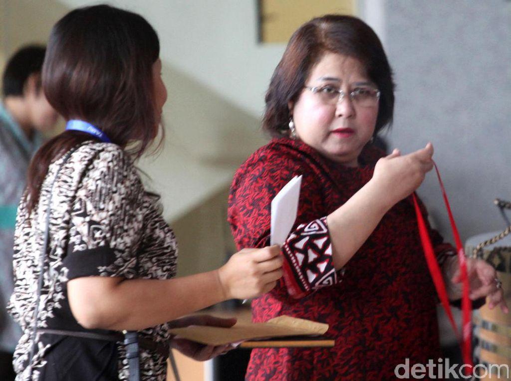 Datangi KPK, Elza Syarief Mengaku Konsultasi Laporan Akbar Faizal