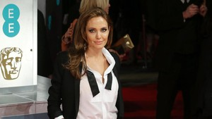 Angelina Jolie Ingin Brad Pitt Kembali