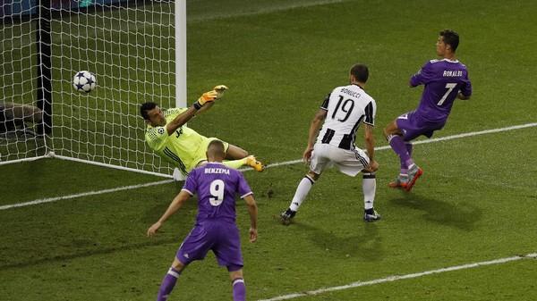 Ronaldo Dua Gol, Madrid Hantam Juve 4-1
