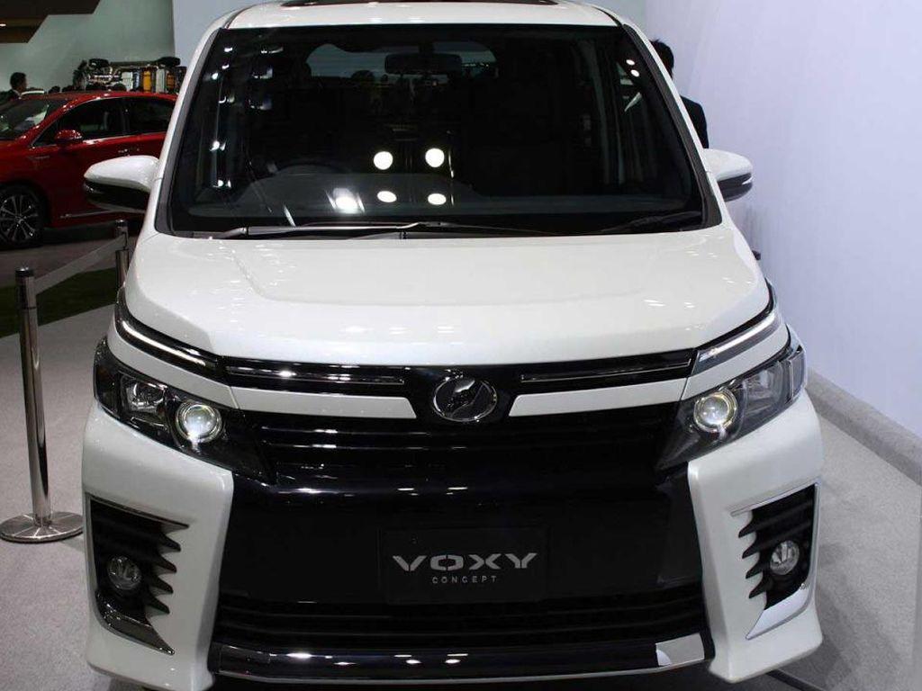 Gantikan NAV1, Toyota Siapkan Voxy untuk Indonesia?