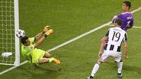 Kryptonite Buffon itu Bernama Ronaldo