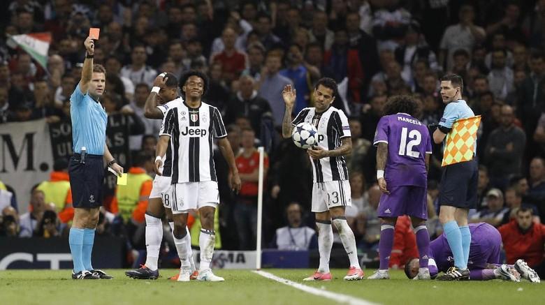 Wasit Felix Brych: Dulu Cuadrado yang Dikartu Merah, Kini Giliran Ronaldo