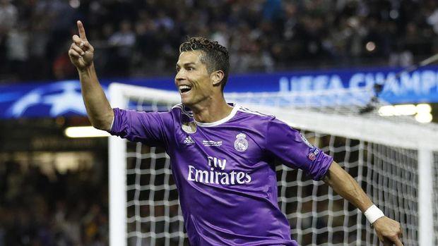 Lewat Simbol Bebek Merah, Bayern Bantah Minati Ronaldo