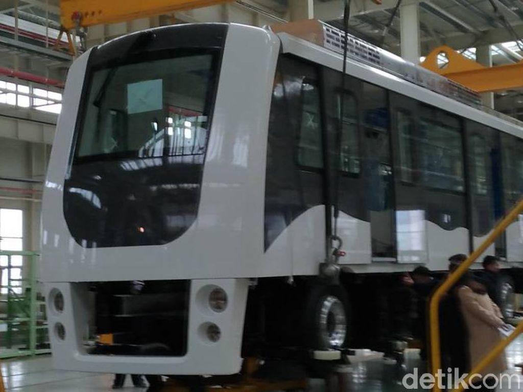 Satu Unit Skytrain Bandara Soekarno-Hatta Mulai Dipasang
