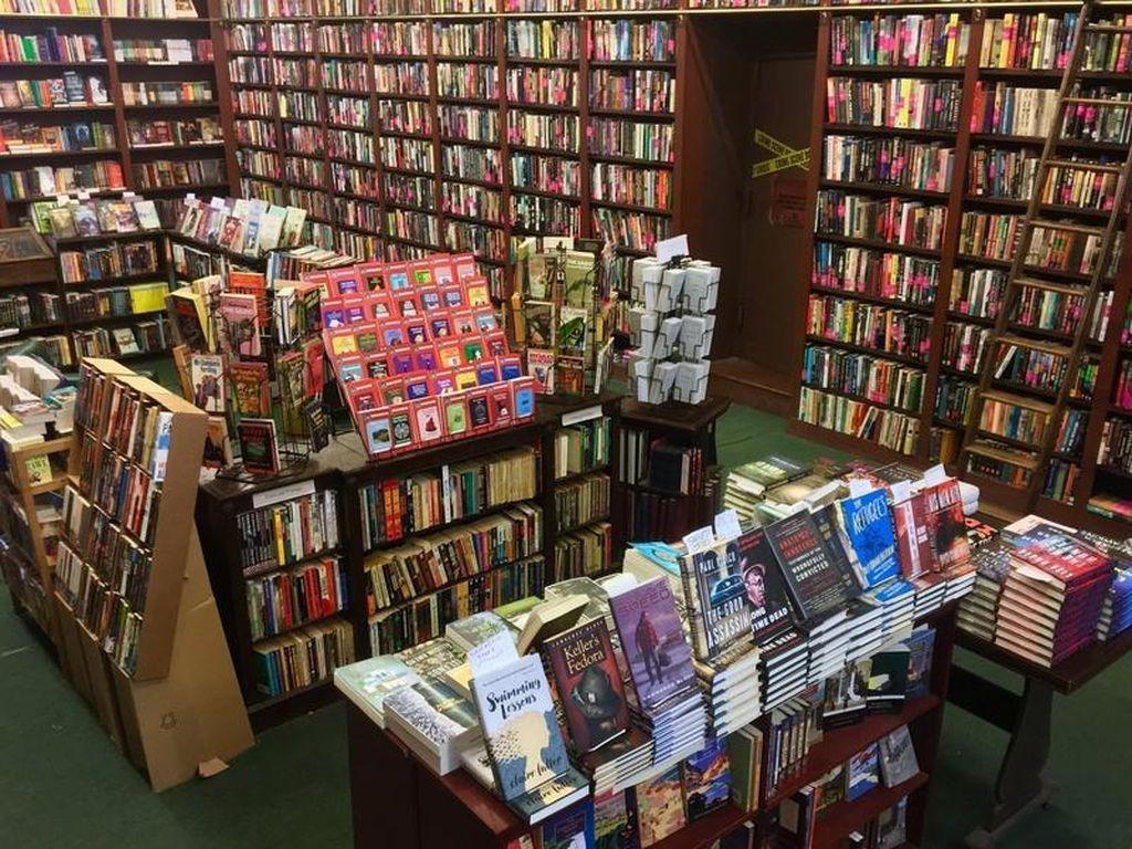 Bikin Penasaran, Ini Dia Toko Buku Paling Misterius