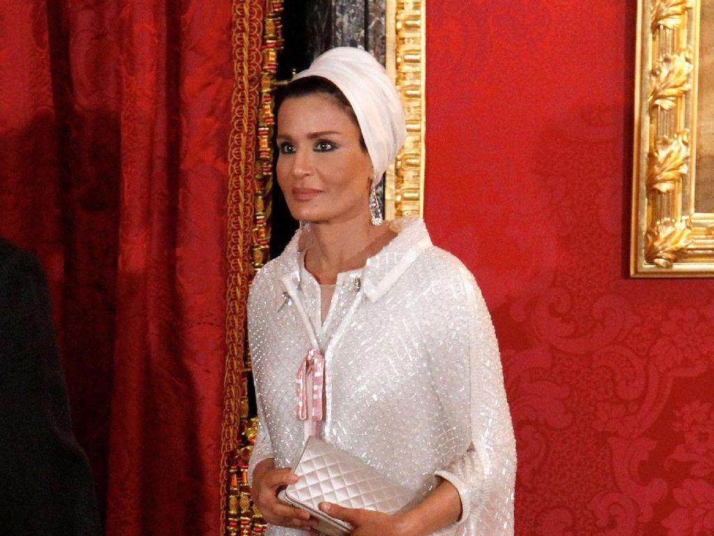 Foto: 10 Gaya Stylish dengan Turban ala Ibu Negara Qatar