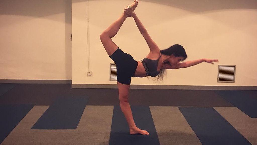 Mau Langsing Seperti Pacar Cristiano Ronaldo, Cukupkah dengan Yoga Saja?