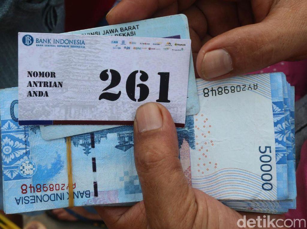 Perjalanan BI Terjun Layani Penukaran Uang Receh di Monas