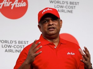 6 Tingkah Laku Nyentrik Tony Fernandes yang Cabut dari AirAsia
