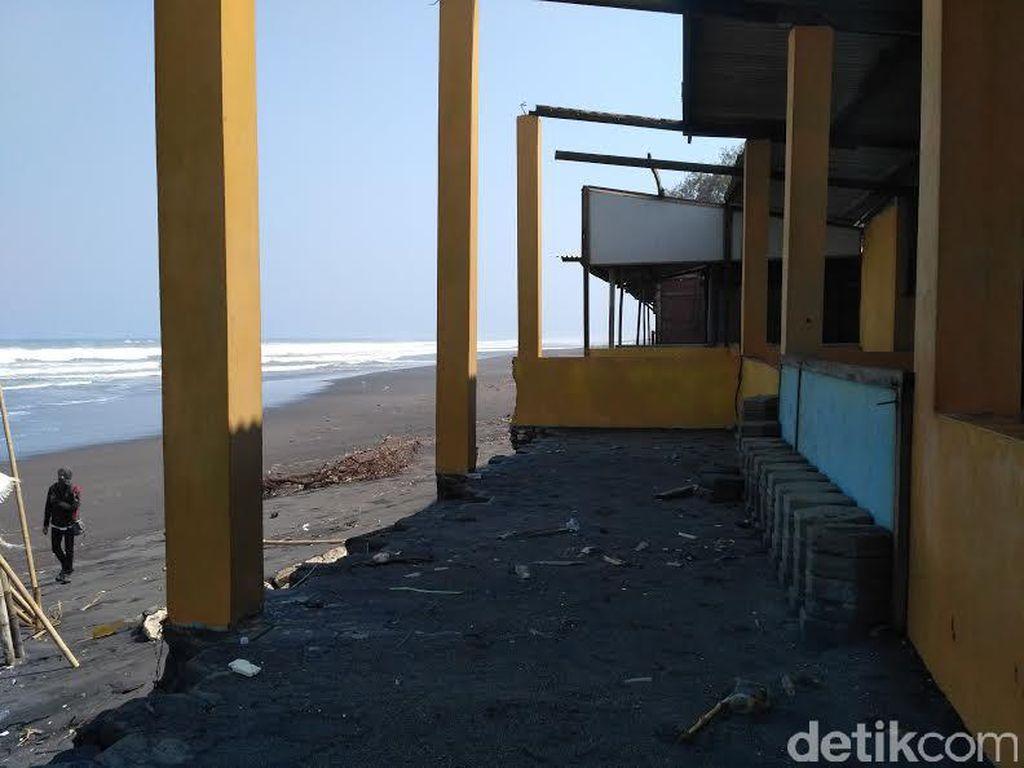 Ratusan Bangunan di Bantul Terancam Gelombang Tinggi Pantai Selatan