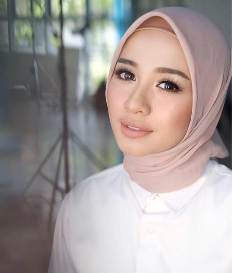 Foto 10 Artis Wanita Indonesia Dengan Bentuk Alis Paling Indah