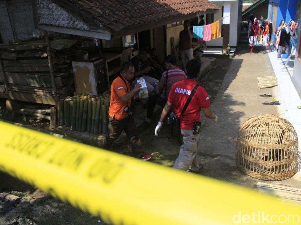 Densus 88 Kembali Geledah Rumah Terduga Teroris di Cileunyi
