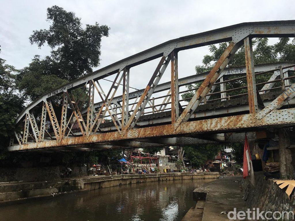 Sebelum Ditutup, Jalur Kereta Salemba Dipakai untuk Angkut Opium